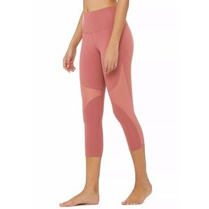 ALO High Waist Workout Leggings Capri size medium